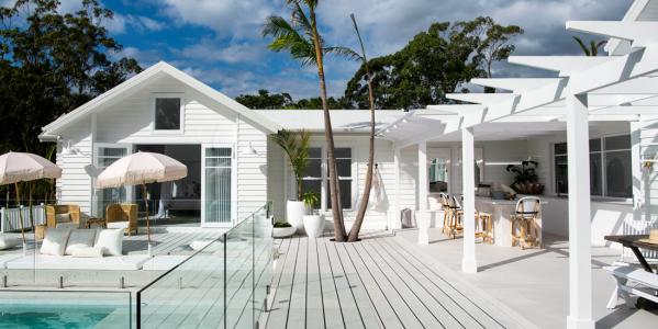 A Modern Coastal Barn Brings Beach Style To A Sydney